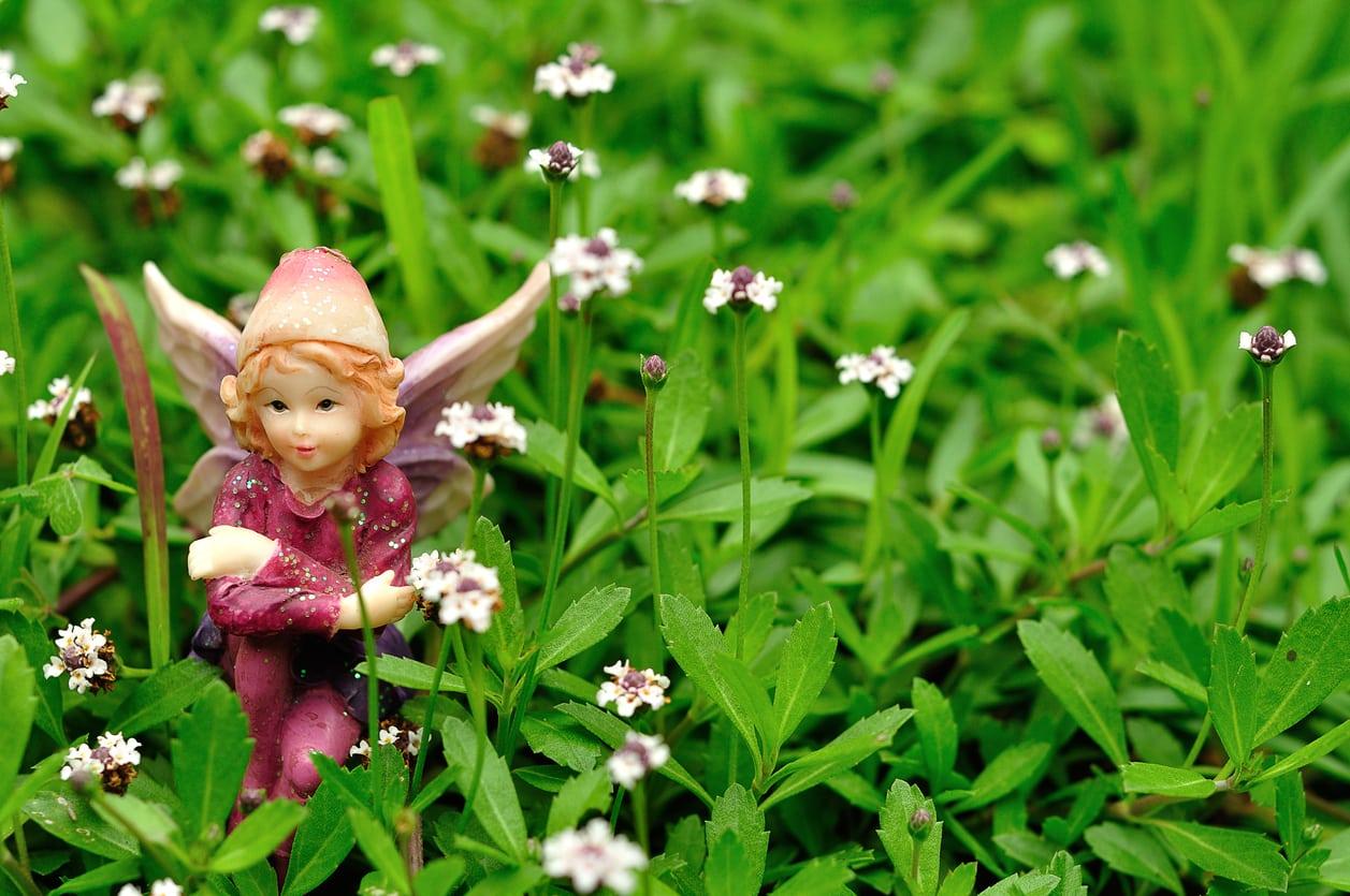 1540337071 fantasy garden designs tips for sparking your own magic garden inspiration takeseeds com - Fantasy Garden Designs – Tips For Sparking Your Own Magic Garden Inspiration